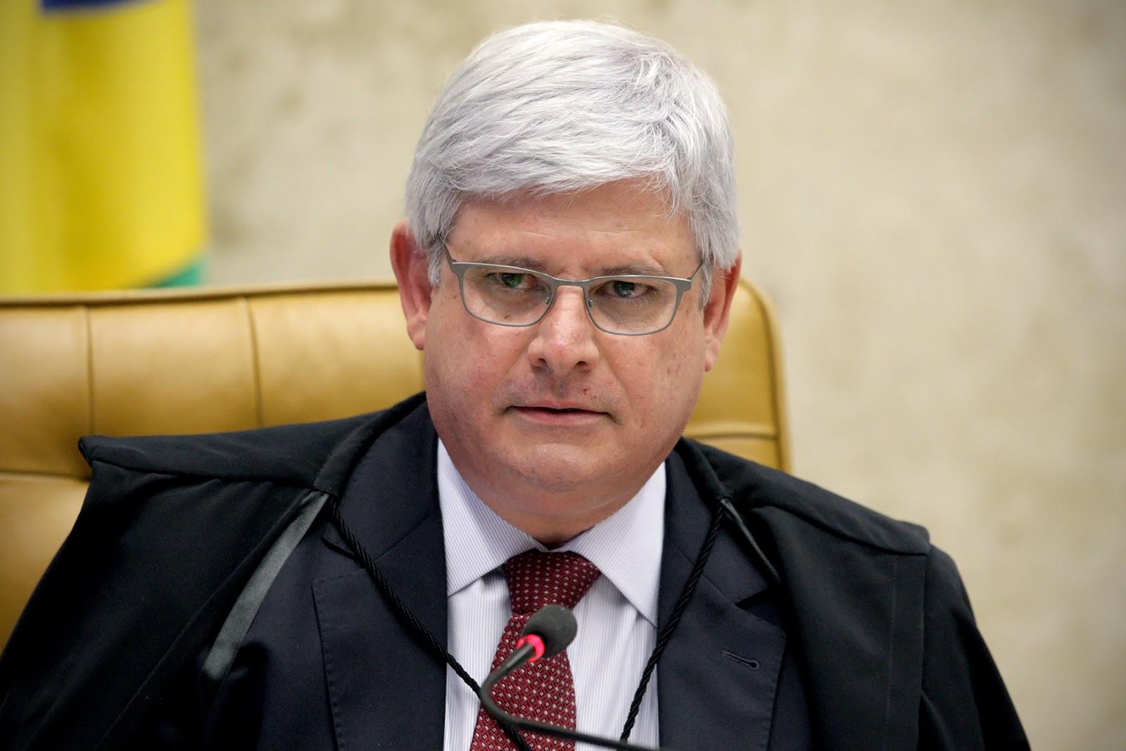 Dilma sugeriu mudança de conta da Suíça para Cingapura, diz delatora