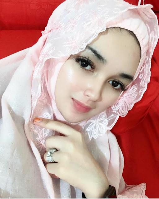 Sweet And Beautiful Angels Wearing Hijab