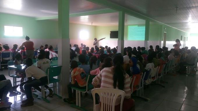 Palestra na Escola Municipal de Quixabeira sobre Otávio Mangabeira