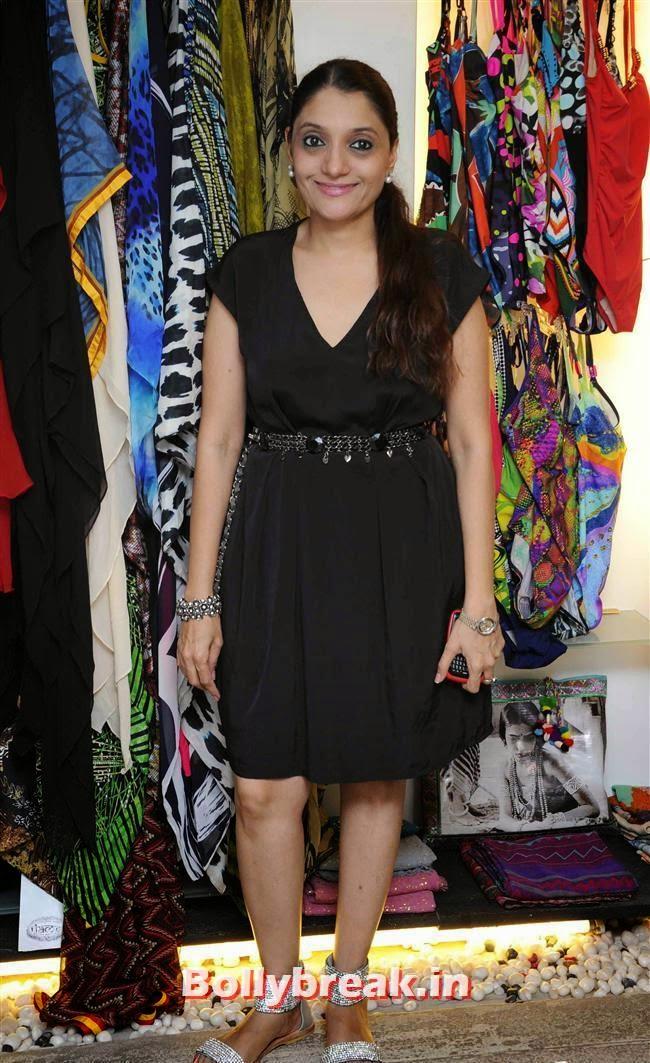 Renu Bothra and Yuvraj Malhotra host Resort Wear Preview at YOU, Akanksha Agarwal at 'YOU Presents Resort Wear Collection'