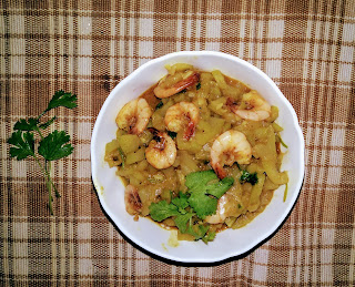 Shrimp and bottle gourd curry
