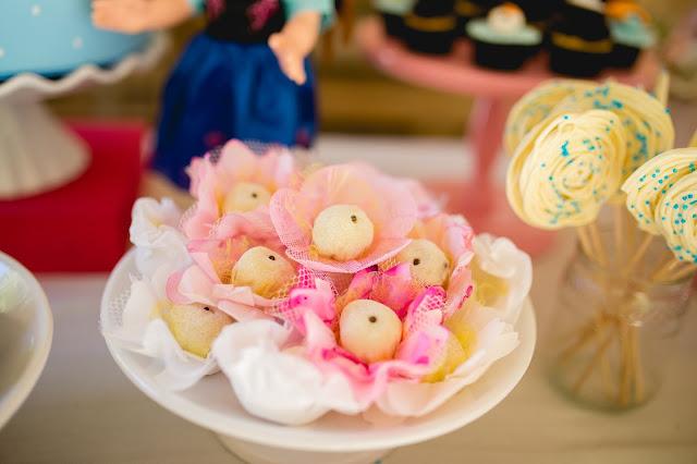 Frozen, aniversário, releitura, decoração, diy, faça você mesma, inspirações, tema frozen, doces, Que delícia Brigadeiro, brigadeiro leite ninho com nutella