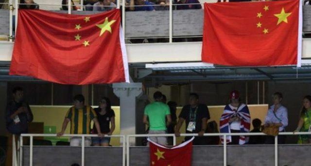 Marinir TNI AL Turunkan Bendera China di Pulau Obi Ternate