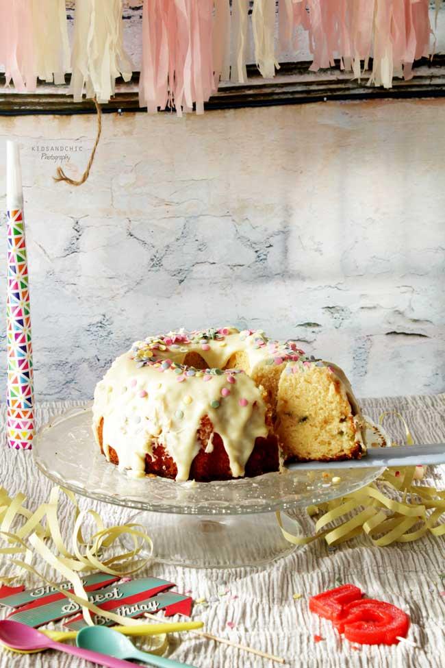 donut-funfetti-bundt-cake-kidsandchic