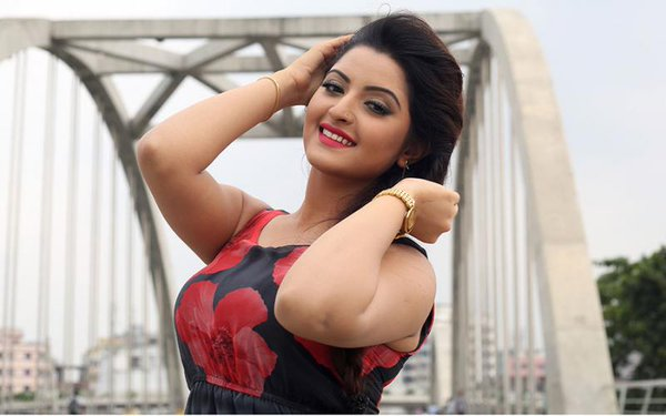 Pori Moni New Photo Gallery