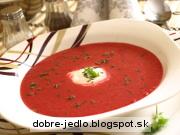 Cviklová polievka s koreninovým jogurtom - recept