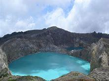 Amazing! Ini Keunikan Danau Tiga Warna Kelimutu yang Harus Anda Nikmati