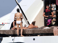 Michelle-Rodriguez-in-Bikini-211+%7E+SexyCelebs.in+Exclusive.jpg