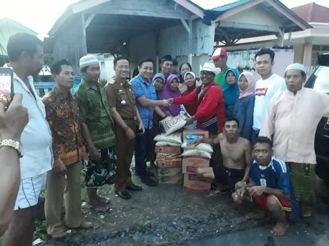 Tim Pemenangan Ridho - Bachtiar Bantu Sembako Korban Banjir Lampung Timur