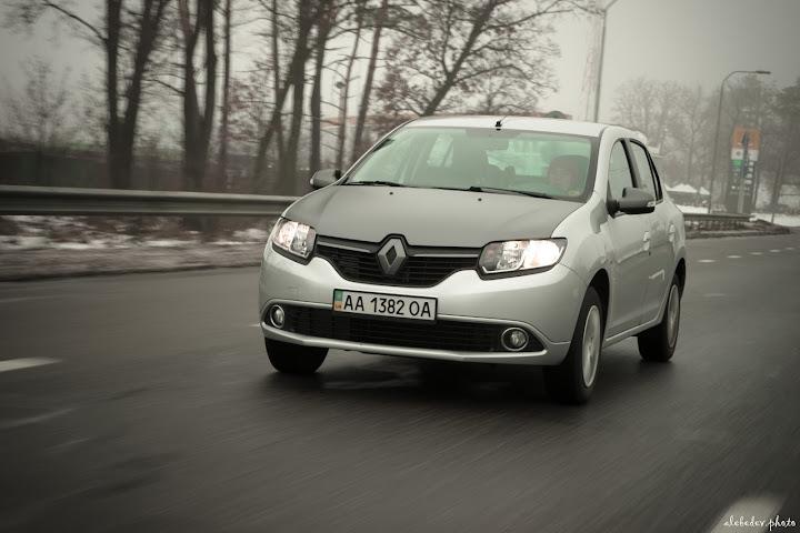 Rolling Renault Logan
