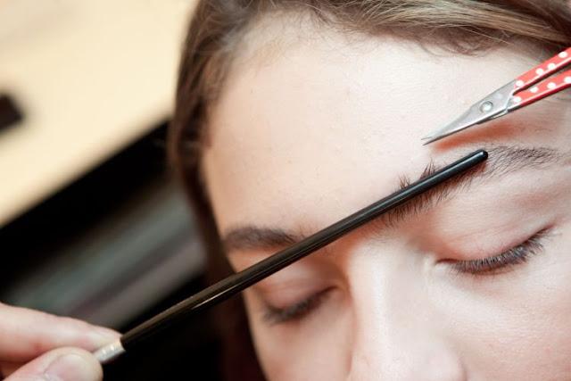 8 dicas para fazer as sobrancelhas em casa e não errar