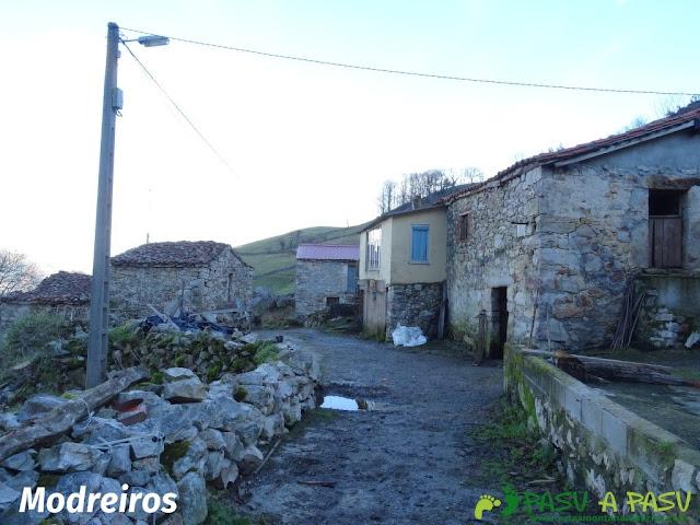 Ruta al Pico Castillo y la Rozada: Modreiros