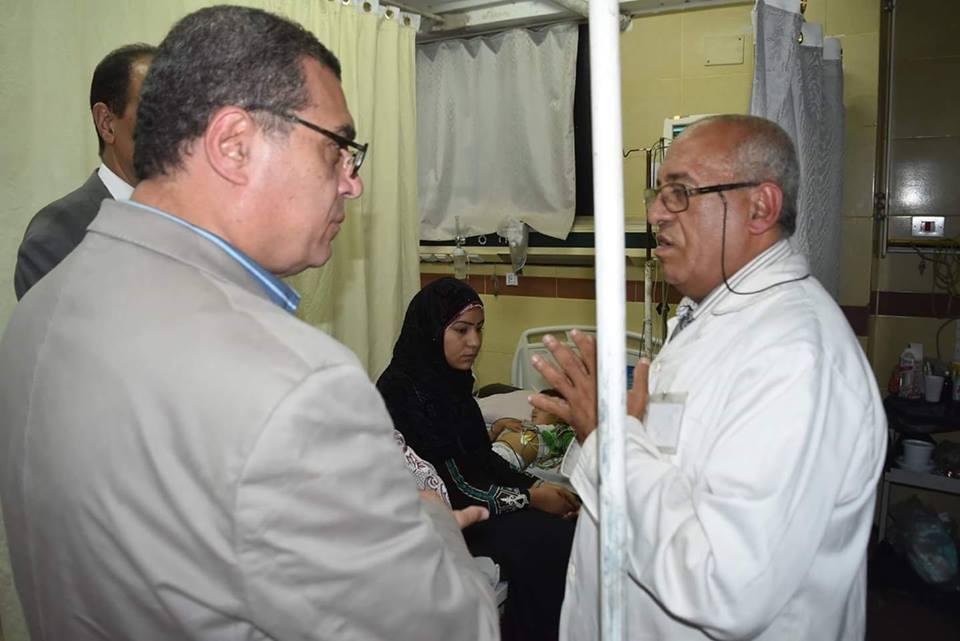 بالصور استعداداً للعيد.. محافظ الفيوم يفاجئ مستشفى الحميات