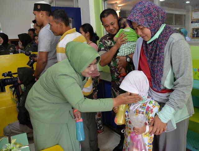 Ketua Persit KCK PG Kostrad Hadiri Donor Darah di RSPAD