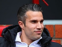 Robin van Persie to quit Manchester United