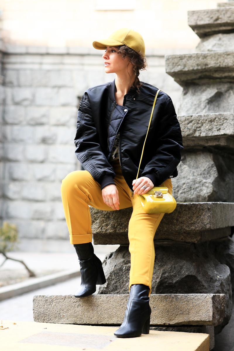модное сочетание желтого цвета