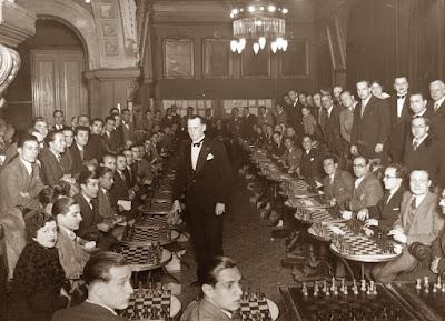 Simultaneas de ajedrez dadas por Alekhine en el Ateneu Barcelonès en 1935