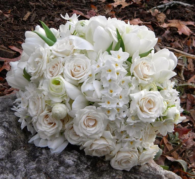 Winter White Wedding Flowers: White Flowers For Winter Weddings
