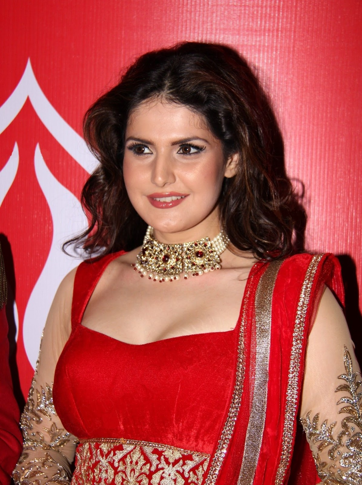 Latest Bollywood Party Wear Salwar Suits 2016 2017: Bollywood Actress Zarine Khan Latest Spicy Hot Sexy Bikini