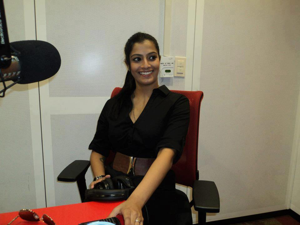 Varalakshmi Sarathkumar Full HD Photo Gallery