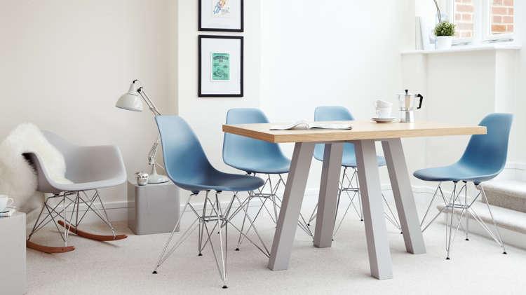blue eames chair