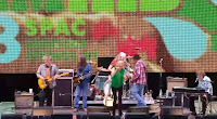 Neil Young mit Pegi & The Surviviors