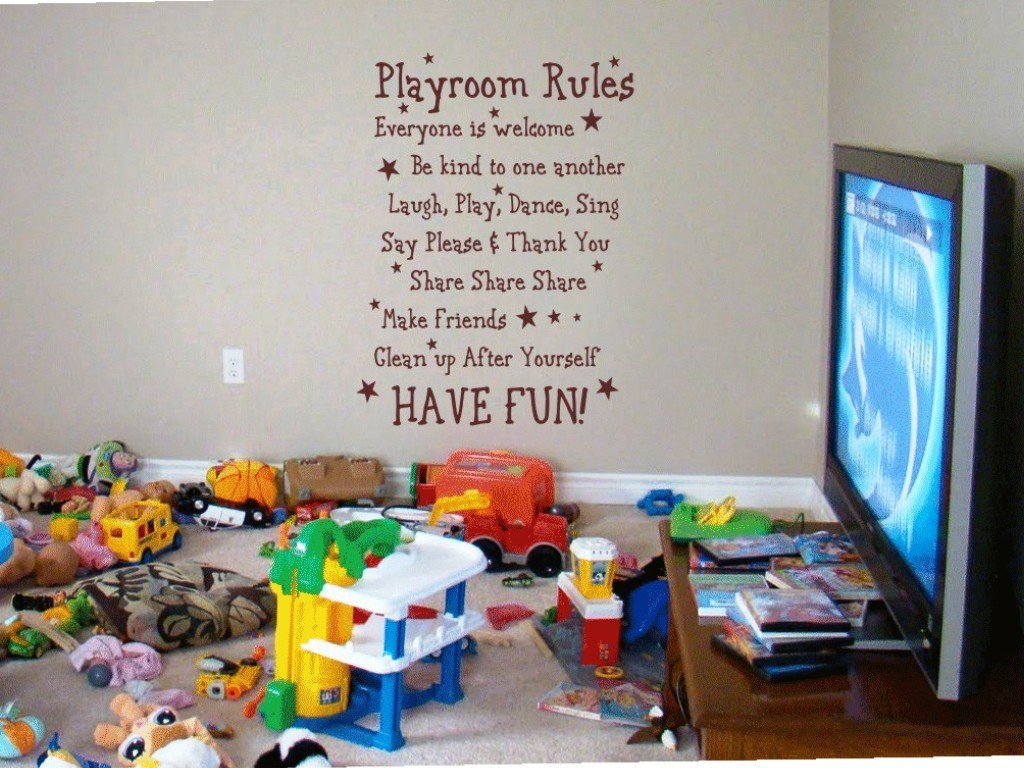 new mama 39 s corner playroom ideas decorating with kids art is a budget saver. Black Bedroom Furniture Sets. Home Design Ideas