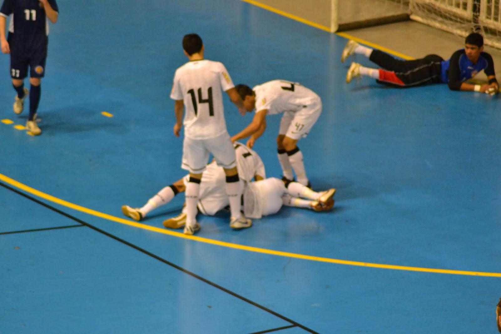 Corinthians vence e está na Final do Estadual Sub-20 de Futsal 24546aad109af