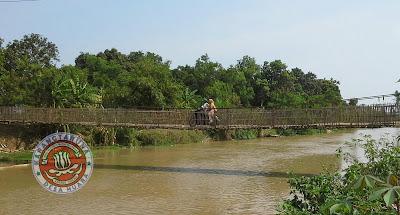 Jembatan gantung desa muara dan tanjungtiga