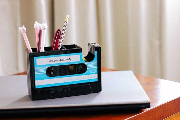Porta lápis fita k7, Rosegal, escritório retrô, home office, retro home office, porta lápis retrô, decoração retrô, retro decor