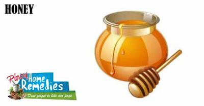 Home Remedies For Peeling Fingertips: Honey