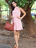 http://www.stylishbynature.com/2015/09/10-ways-how-to-dress-slimmer.html