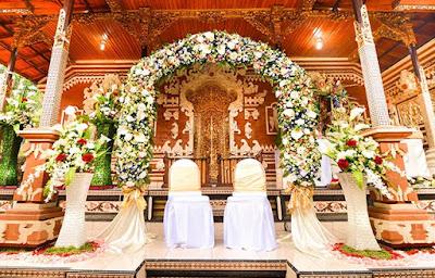 dekorasi pernikahan adat bali modern terbaru