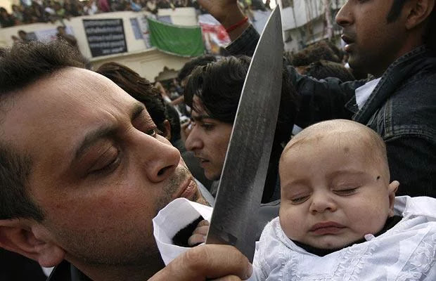 Seorang Muslim Wajib Waspadai, Ritual Sesat Berdarah Umat Syiah Pada 10 Muharram