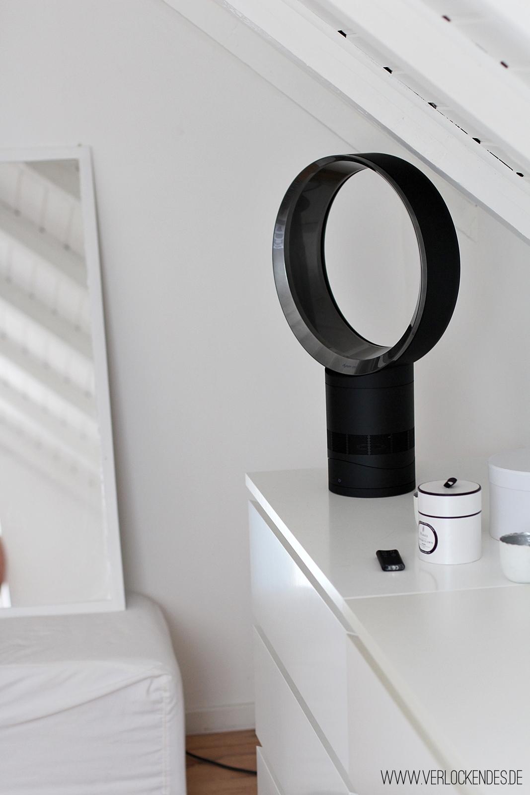 superb dyson ventilator schlafzimmer #1: ... von der Deko - und dem Ventilator, der sich zugegebenermaßen mit seinem  Design ziemlich gut in mein Schlafzimmer-Mekka einfügt und dann schreib ich  euch ...