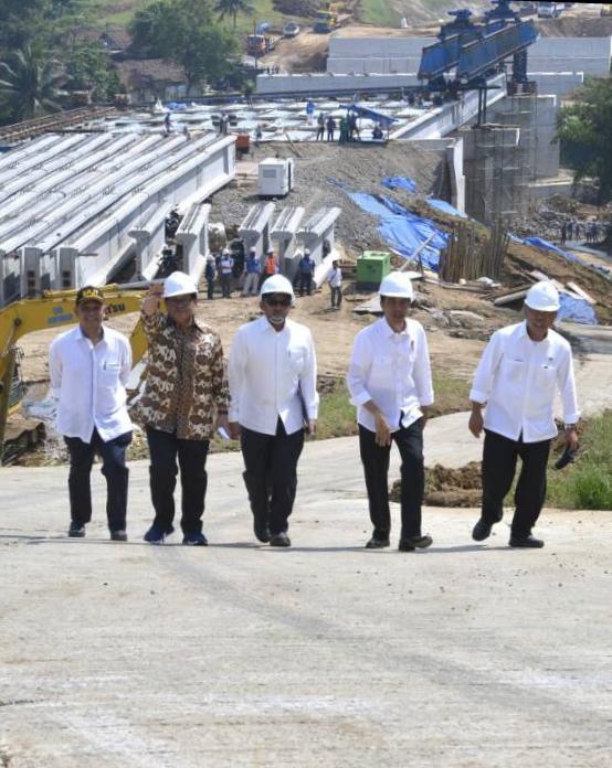 Proyek Tol Mangkrak Warisan Soeharto, Dipoles Jokowi Jadi Begini