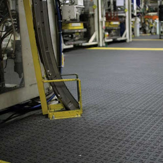 Greatmats Wearwell ErgoDeck Solid Tiles installed