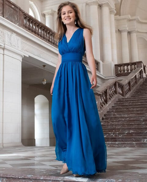 Crown Princess Elisabeth wearing bridesmaid blue v-neck chiffon maxi dress, Sandro  red dress, Zara sweater, Ole Lynggaard earrings