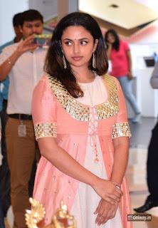 Actress-Malavika-Nair-Stills-at-The-Hindu-Air-Asia-Event