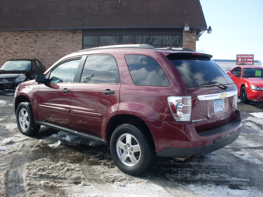Chevrolet Equinox Burgundy on 2000 Chevrolet Aveo