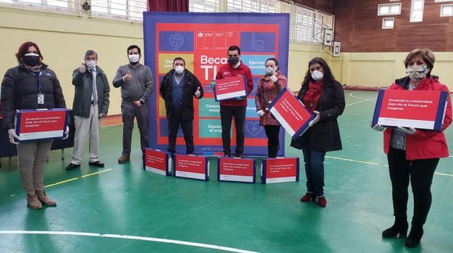 Finaliza entrega de Becas TIC en Osorno