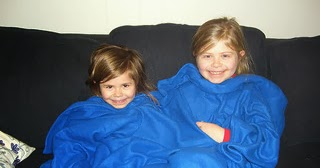 FREEBIE: Make-Your-Own Snuggie Pattern (ALL)