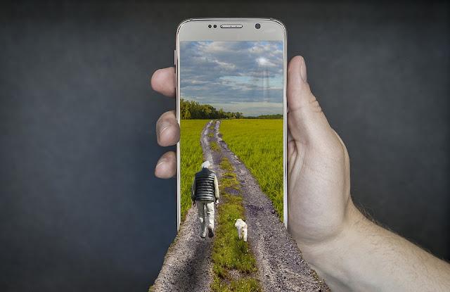 Beberapa Resiko Terlalu lama Menggunakan Smartphone