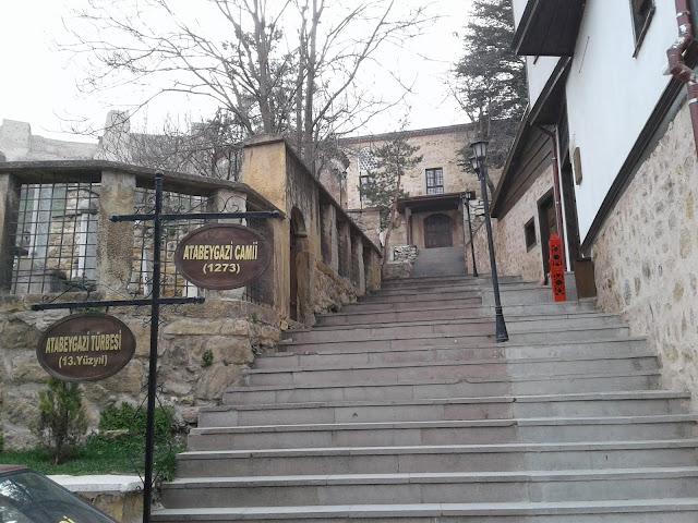 Atabey Gazi (Kırk Direkli) Camii ve Türbesi