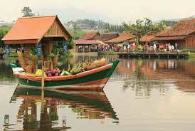 tempat-wisata-kuliner-floating-market-lembang