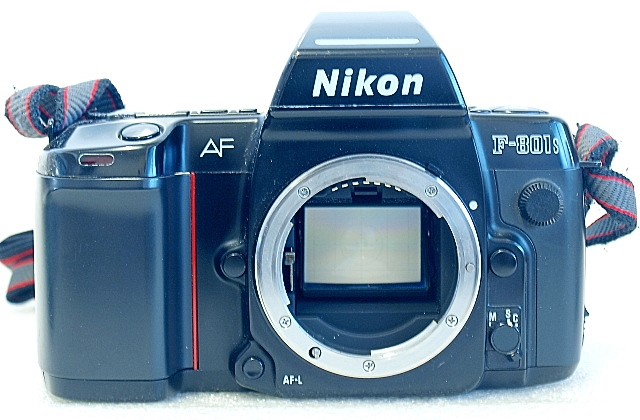 Nikon F-801s, Front