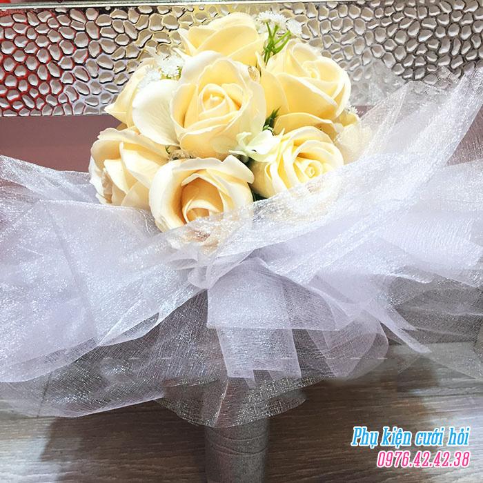 Hoa cam tay co dau HC011