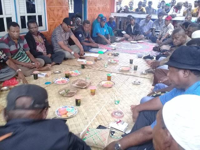 Tanah Papua Tanah Adat, Biarkan Masyarakat Adat Mengaturnya