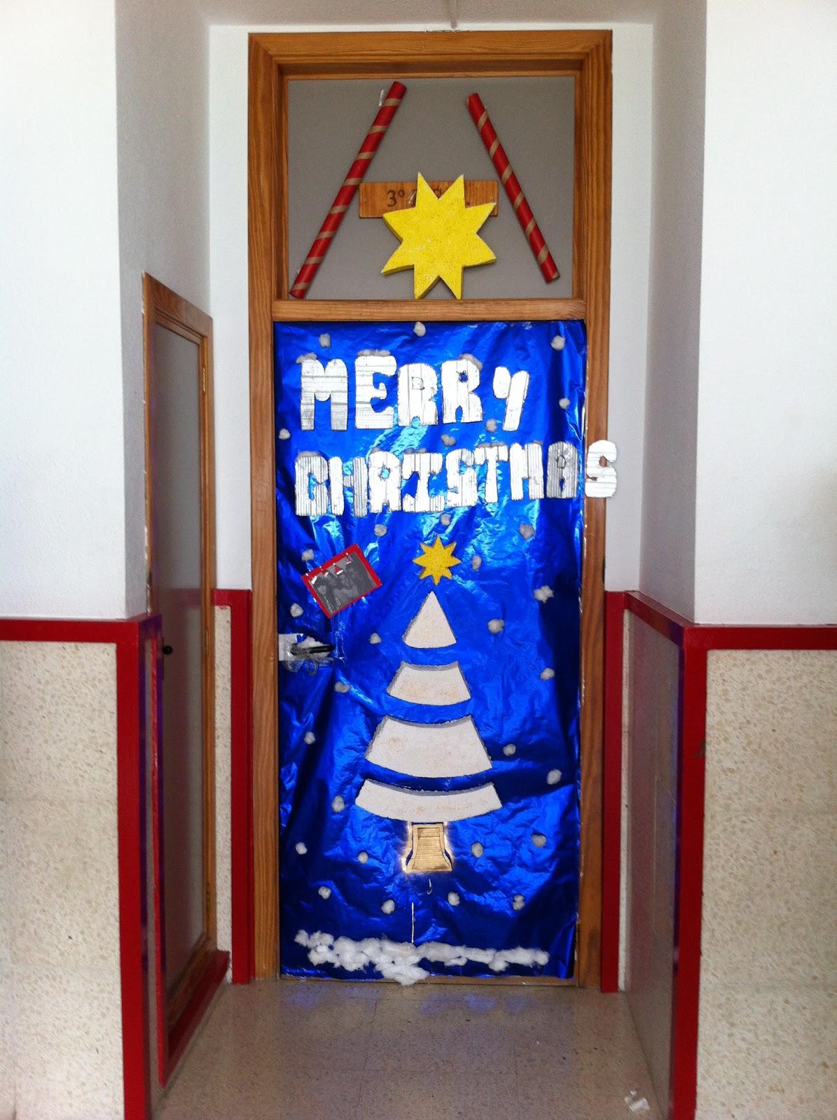 Blog colegio monteazahar segunda fase concurso puertas for Puertas decoradas navidad material reciclable
