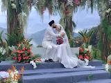 Pernikahan Yuna dan Adam Sinclair di Puncak Rimba